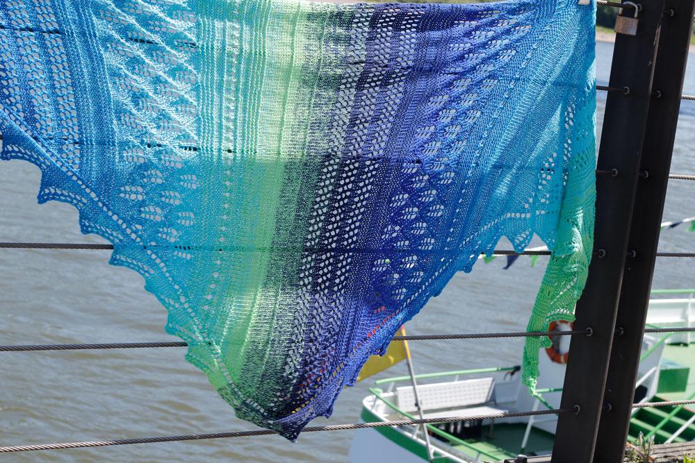 Dreieckstuch stricken - Das Tuch Vicky [object object] Dreieckstuch stricken mit dekorativer Spitzenkante – Tuch Vicky