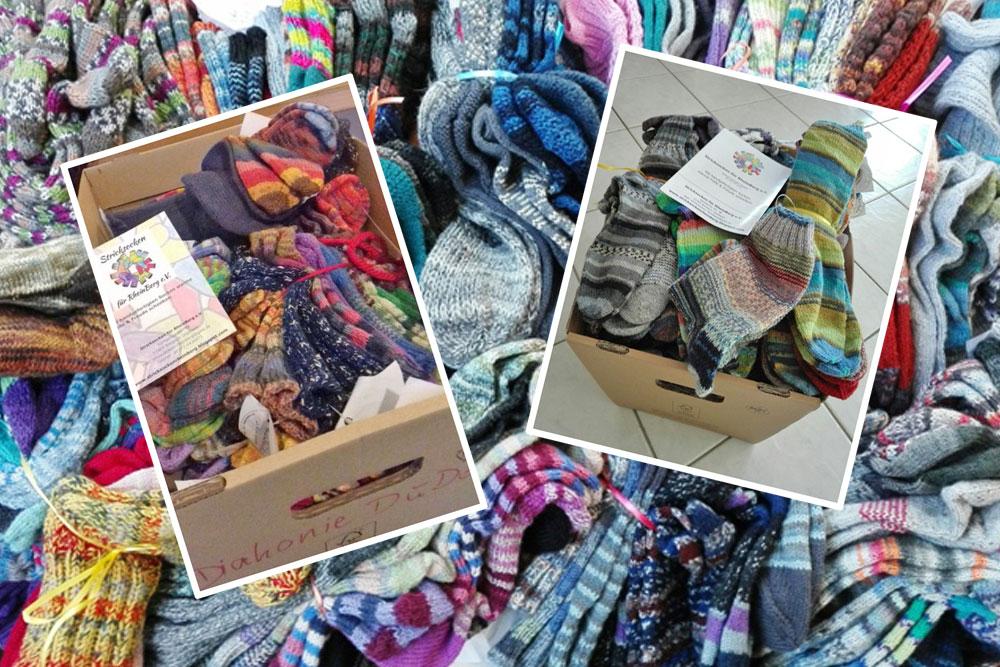 Stricksocken für RheinBerg - Socken werden verpackt und weitergegeben