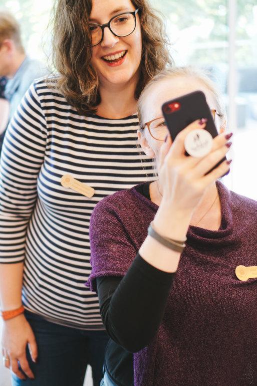 Janine Binder und Stefanie Feierabend auf dem Tag der Wolle