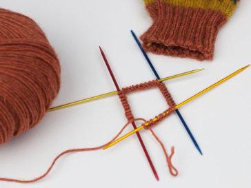 Runde stricken - Titelbild runde schließen 3 Möglichkeiten für einen schönen Anfang beim Rundstricken