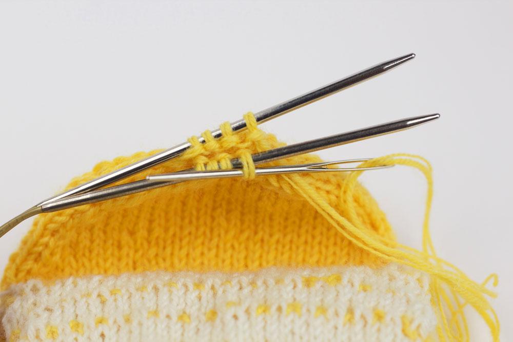 CajaSocks - Die Ferse wird mit einem Maschenstich geschlossen.