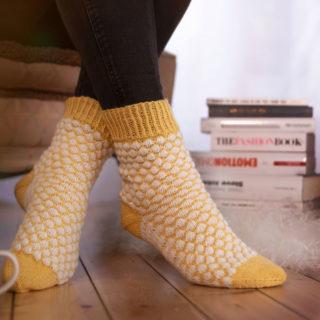Ausgefallene Socken stricken mit Bubblemuster