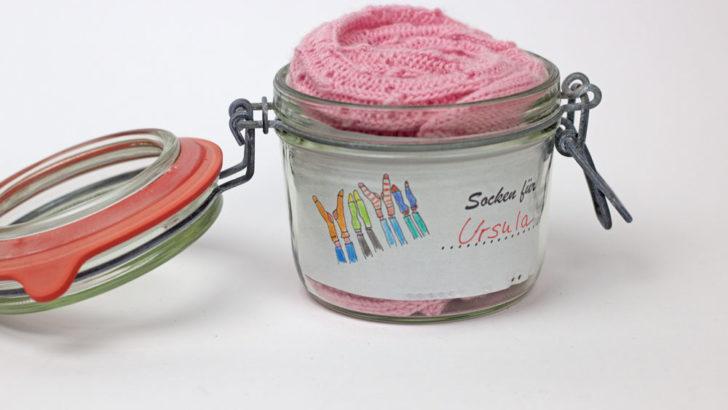 Socken verpacken - Beliebt ist es, die Socken in ein Einmachglas zu packen.
