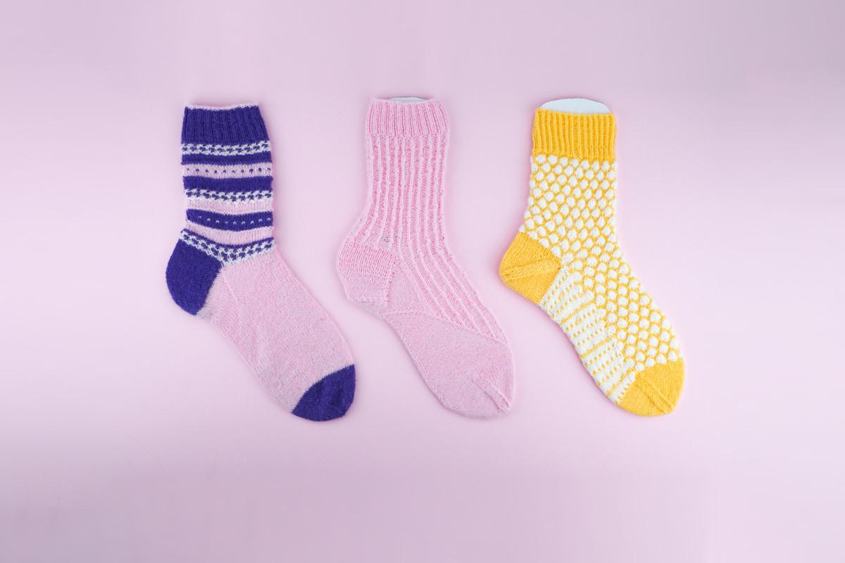 3x Strickanleitungen Socken »ANESA, BERIT, CAJA«