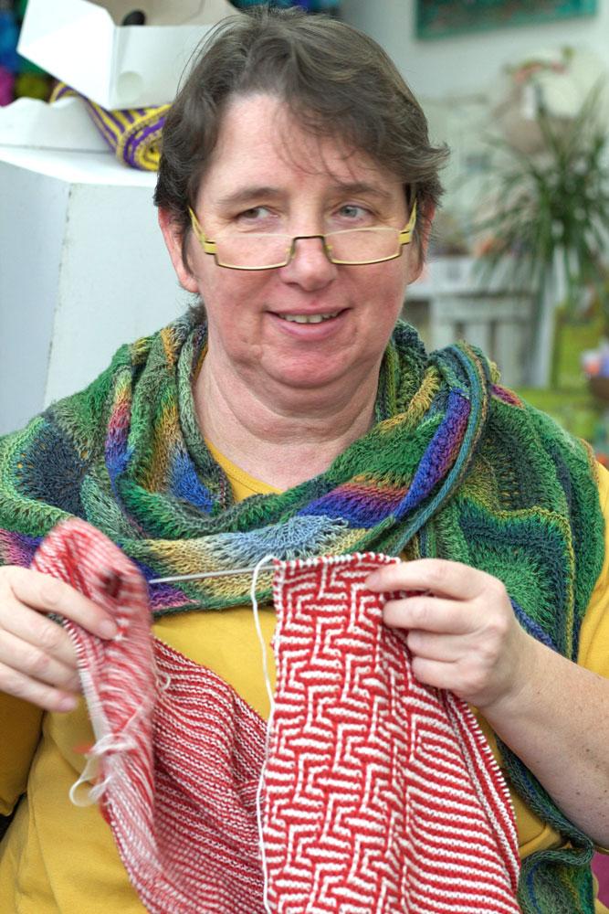 Strick- und Häkeltreffen - Barbara und ihr Mosaiktuch