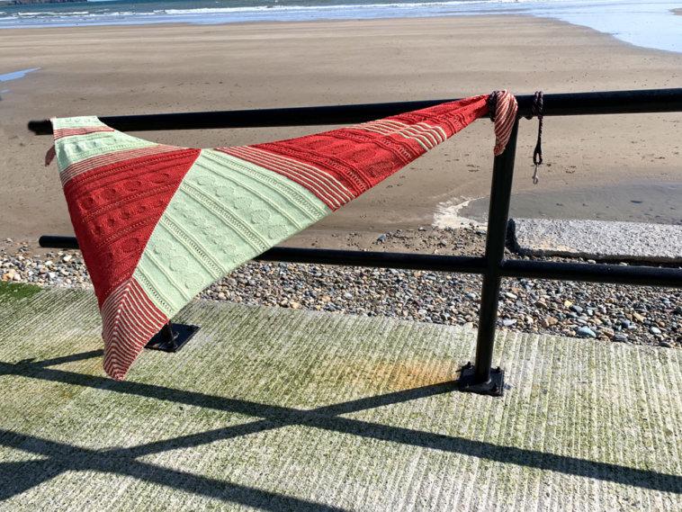 Eriu-KAL Das Tuch Eriu am Strand von Tramore