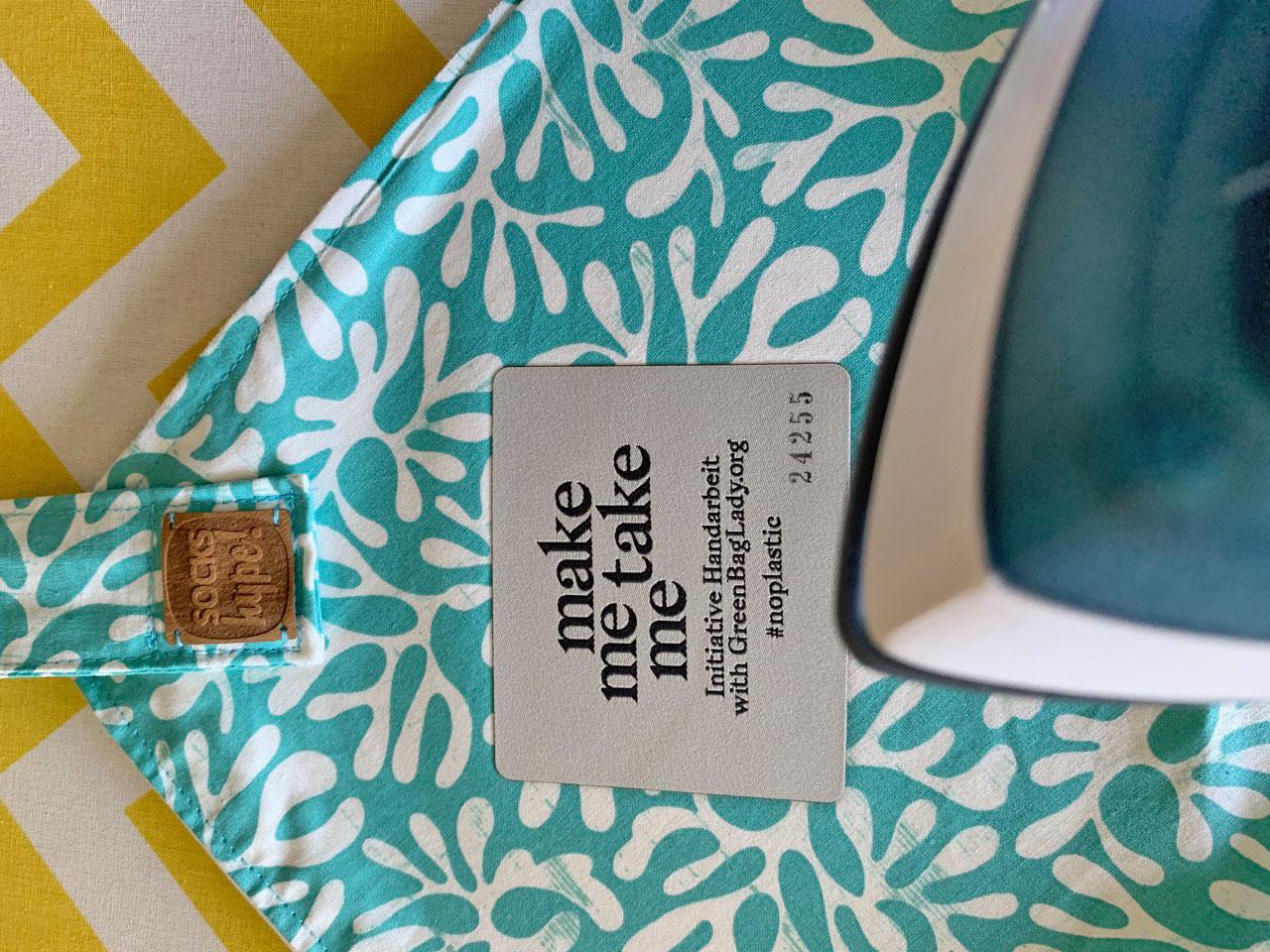 Das Label wird auf die Tasche gebügelt