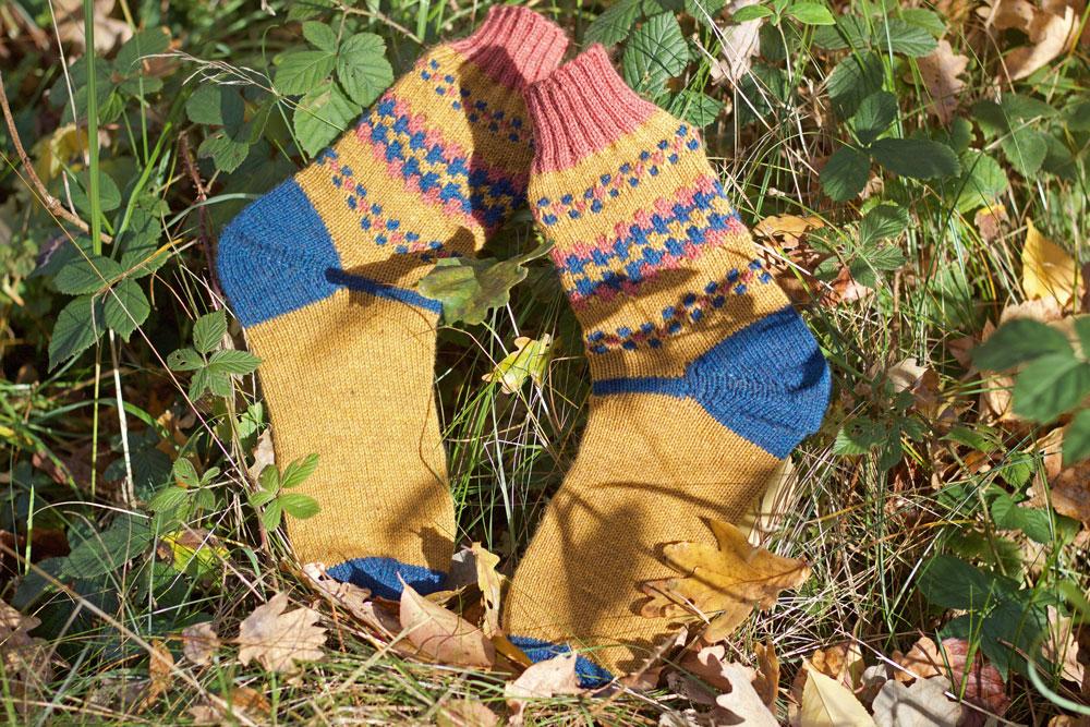 Farblich werden die FinnSocks in richtigen Herbstfarben gestrickt.