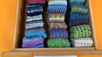 Socken falten - Ordnung im Kleiderschrank