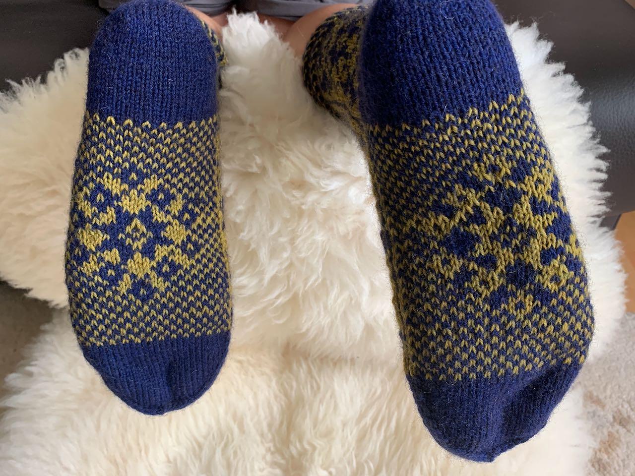Das Sohlenmuster bei meinen KerstaSocks ist bei beiden Socken farblich unterschiedlich.