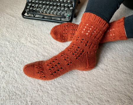 MailaSocks - toe up socken mit Lochmusterfr