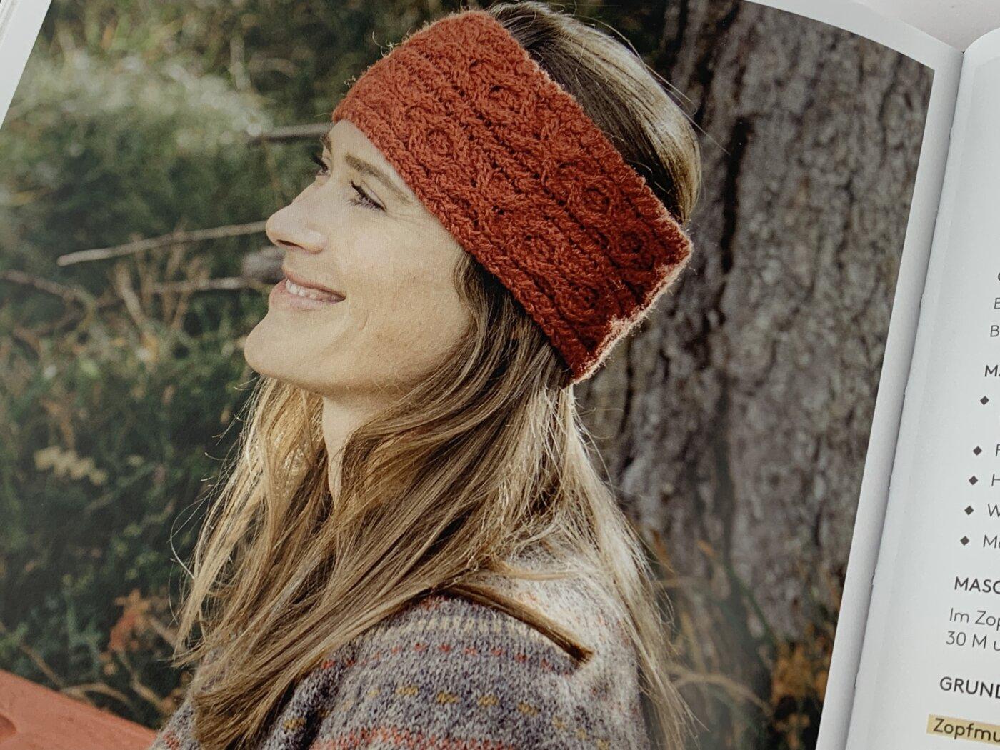 Stirnband mit Zopfmuster: Kolbrún