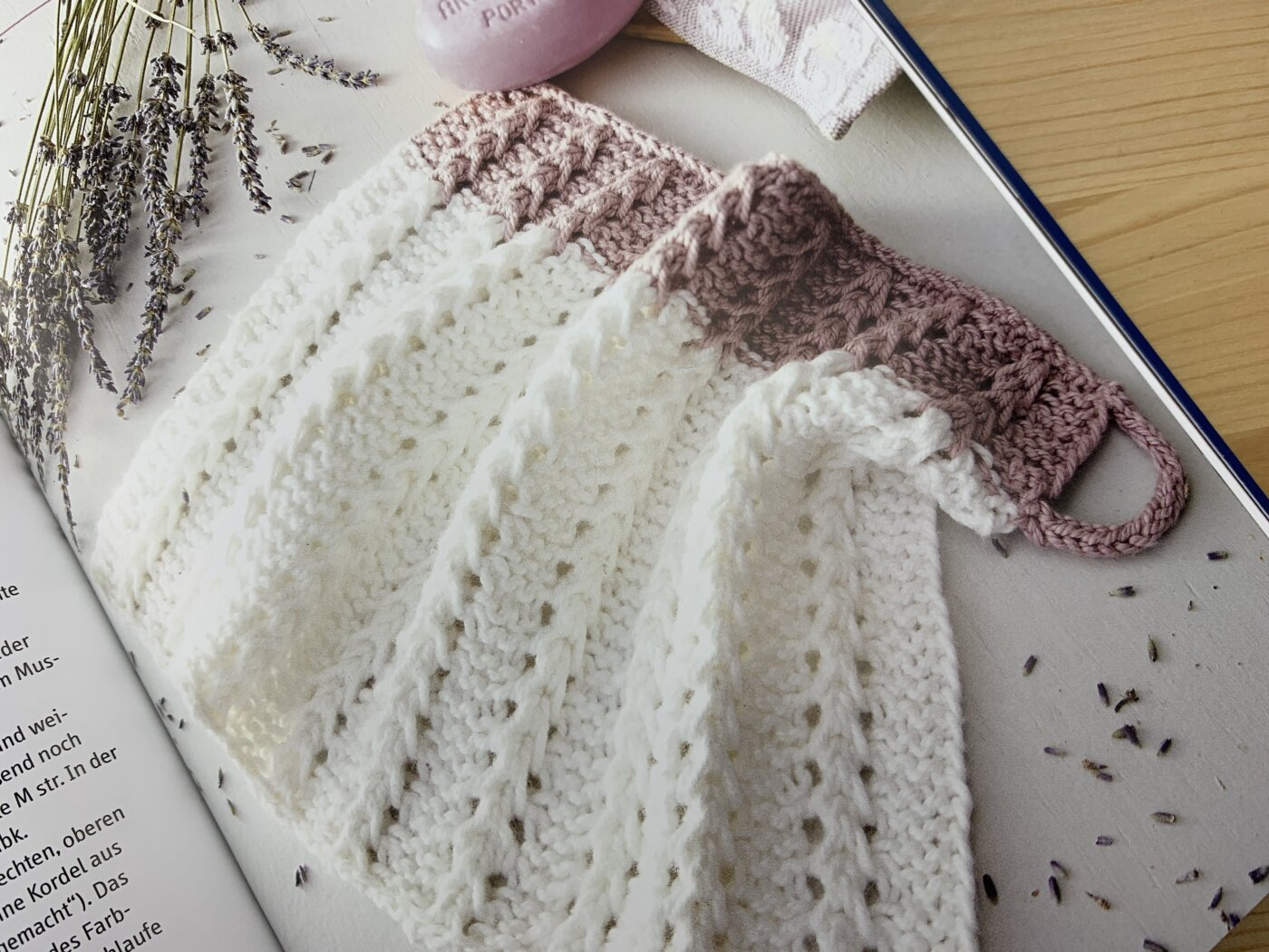 Noch mehr Spültücher stricken - Modell Schneeweißchen und Rosenrot